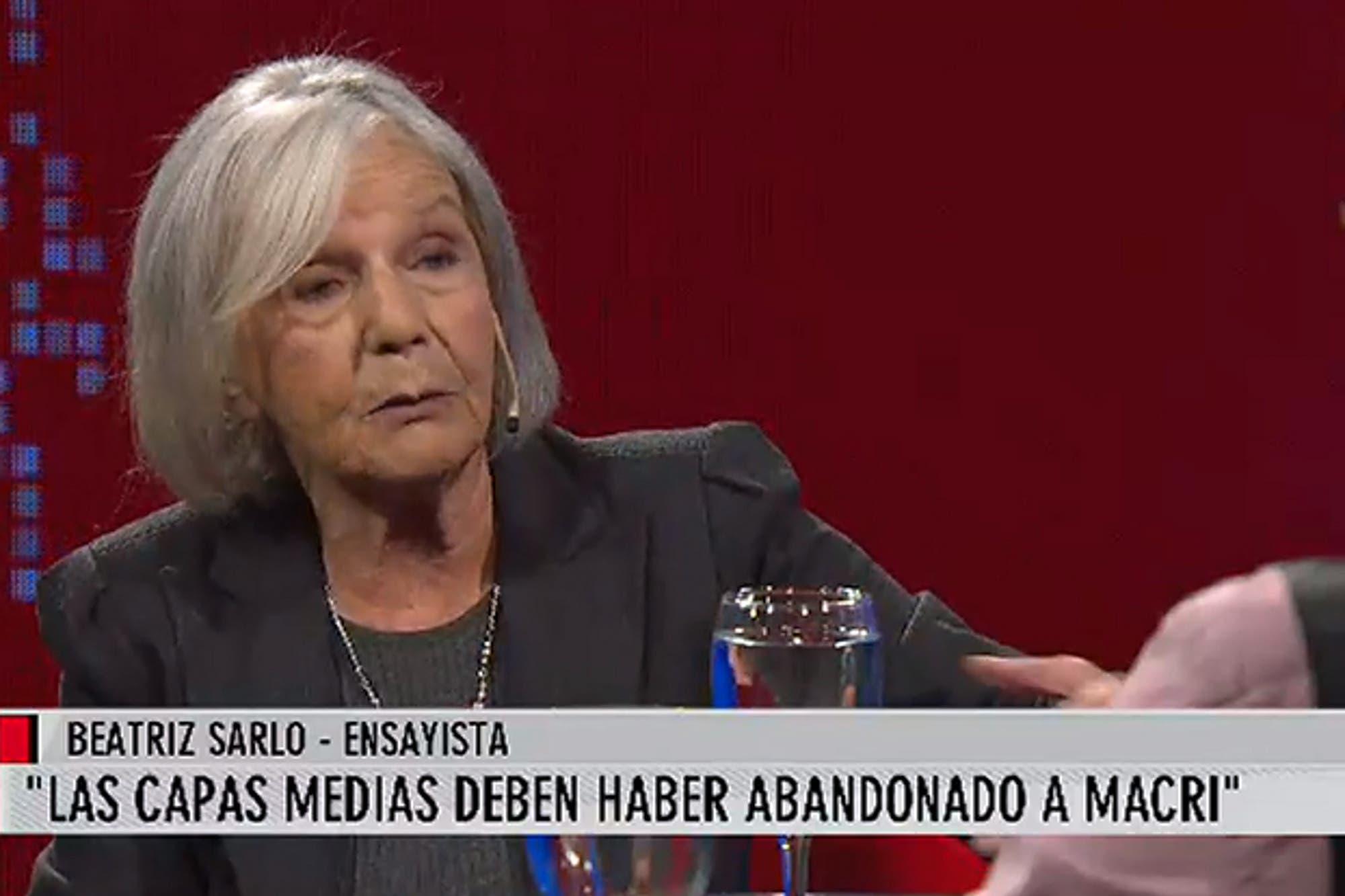 """Beatriz Sarlo: """"Las capas medias abandonaron a Mauricio Macri"""""""