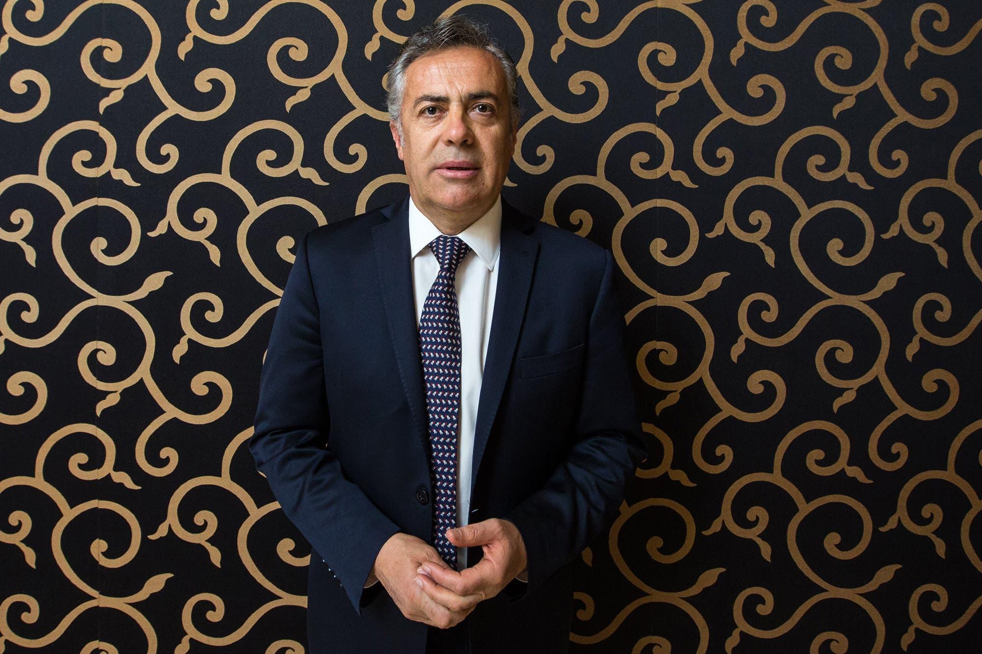 """Alfredo Cornejo: """"Hay mucha mezquindad en el radicalismo; el partido se desdibujó mucho por Macri"""""""