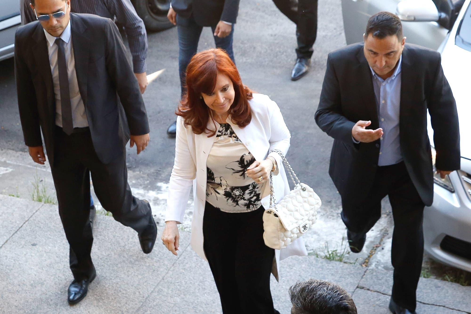 Desafiante y casi a los gritos, Cristina Kirchner exhibió su poder ante los jueces