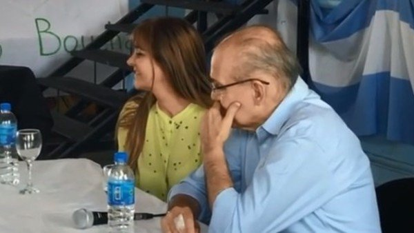 Alejandro Sabella se emocionó en un homenaje en una escuela de Ensenada
