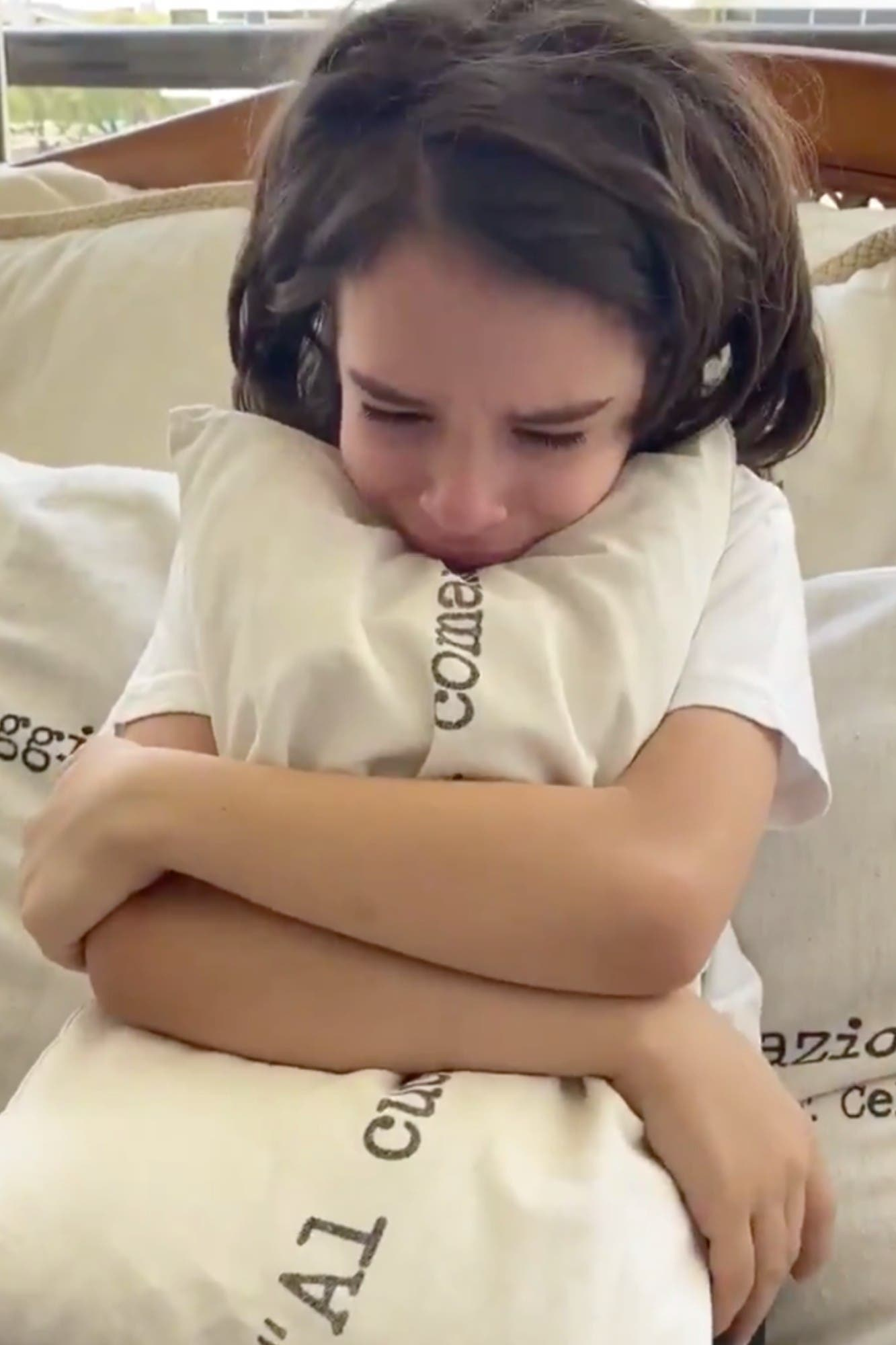 """""""Quiero volver"""". El desesperado pedido del nieto de Menem"""