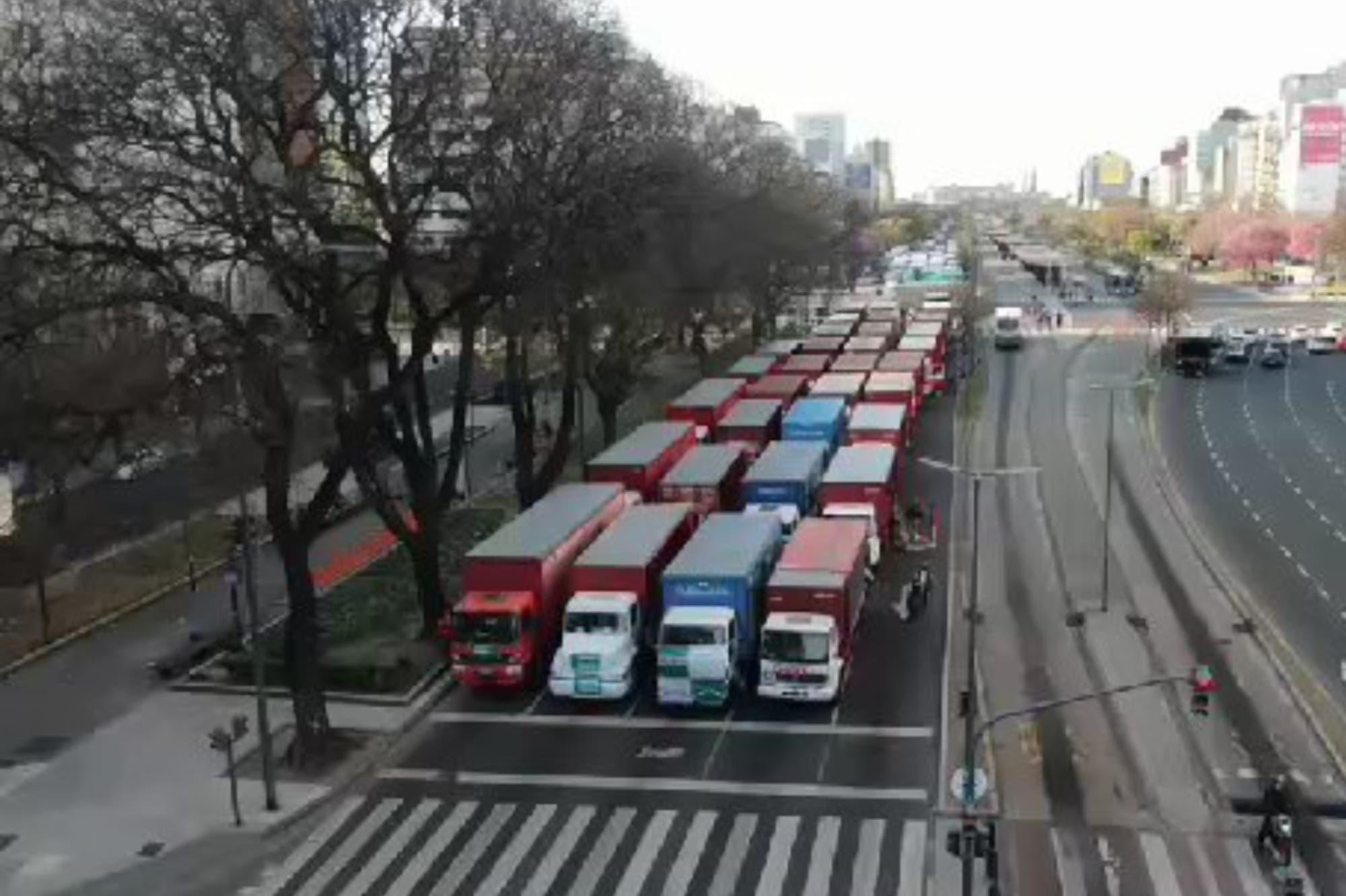 17 de octubre: así llegaba la caravana de Hugo Moyano al Obelisco por el Día de la Lealtad