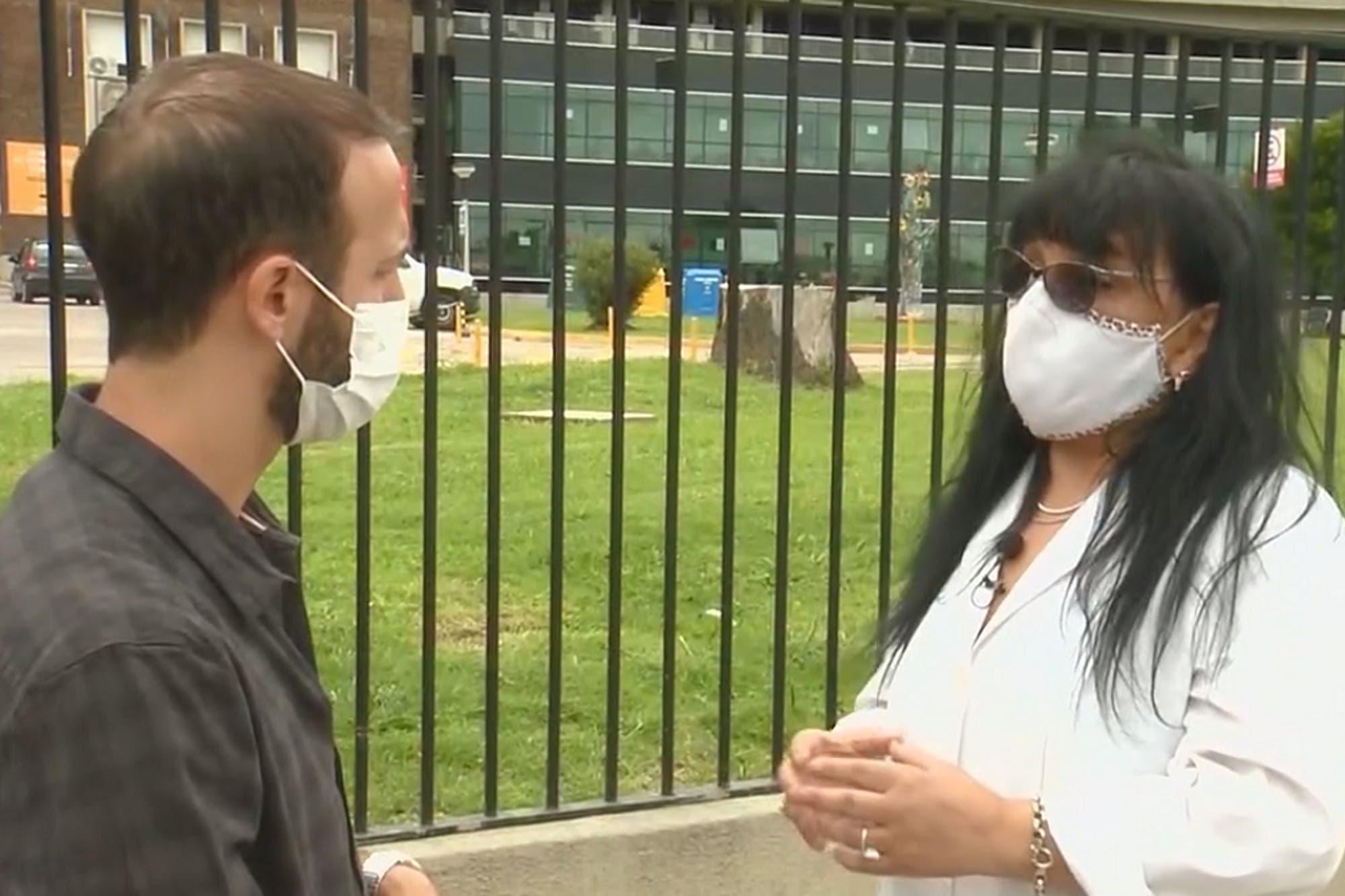 vacunacion-vip:-una-medica-del-hospital-posadas-denuncio-que-llegaron-combis-del-ministerio-de-salud-y-se-llevaron-80-dosis